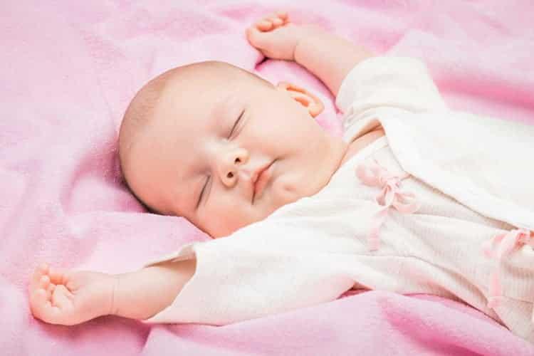 نوم الرضيع بشكل متواصل