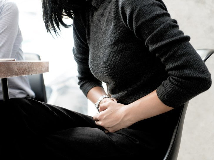 ألم المعدة من أعراض الحمل