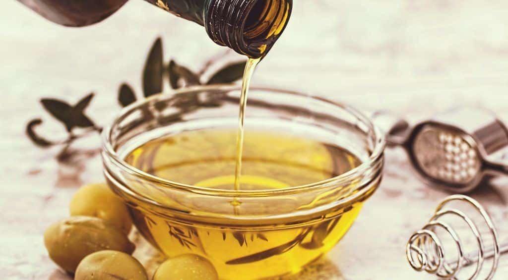 التخلص من رائحة الفم الكريهة بإستخدام زيت الزيتون
