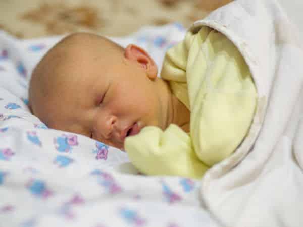 مدة علاج الصفراء عند حديثي الولادة
