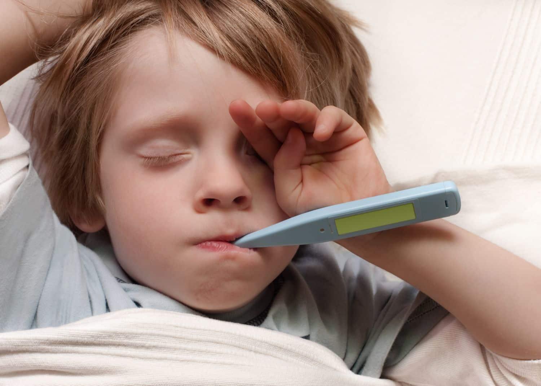 سخونة الرأس وبرودة الأطراف عند الأطفال