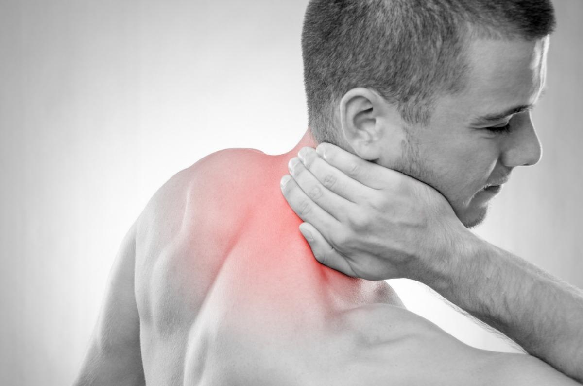 علاج ألم الكتف الأيمن والرقبة