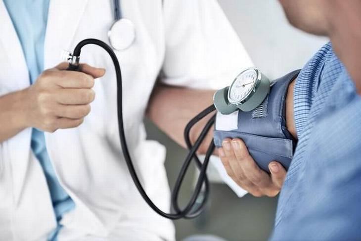 الوفاة نتيجة ارتفاغ ضغط الدم