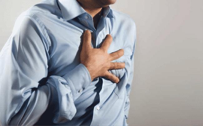 الفرق بين ألم الصدر وألم العضلاتذ